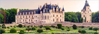France : Perigord,<br/>Loire Valley and Paris